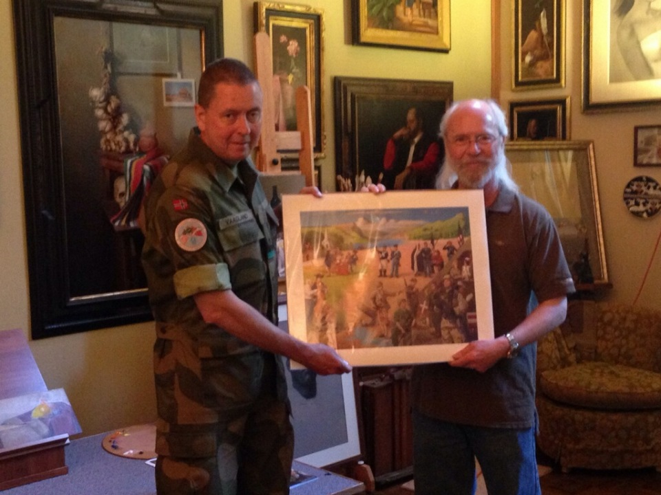 Kapsner presenting Lt. Colonel Vaagland with a print of the US Army from the Project.